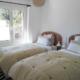 Twin bedroom, Villa Hoedic Trebaluger