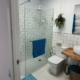 Frontline Arenal, shower room