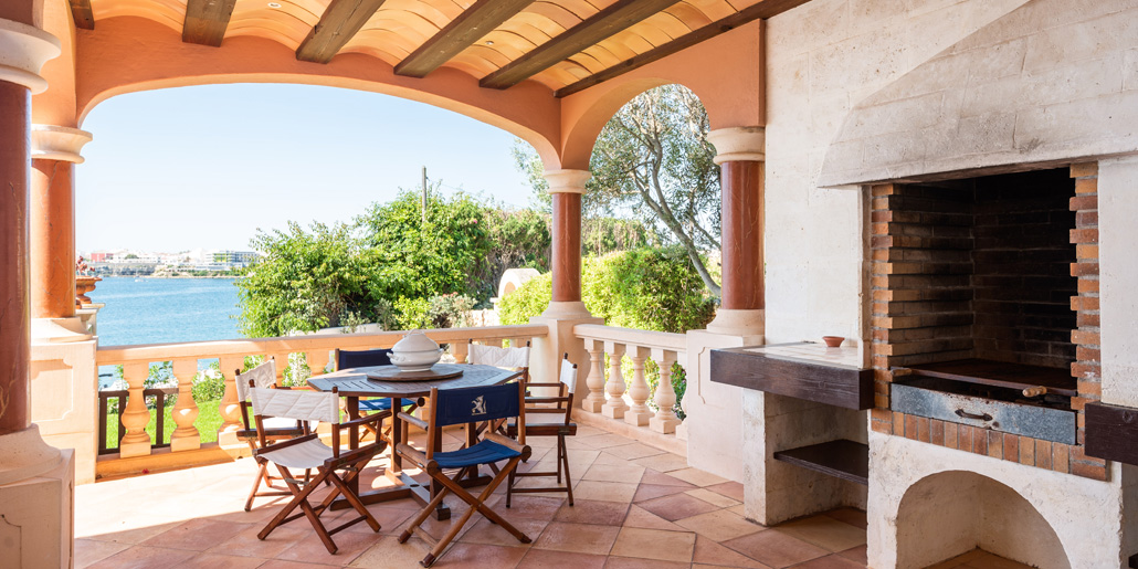 Covered terrace, Far Post, Cala Llonga