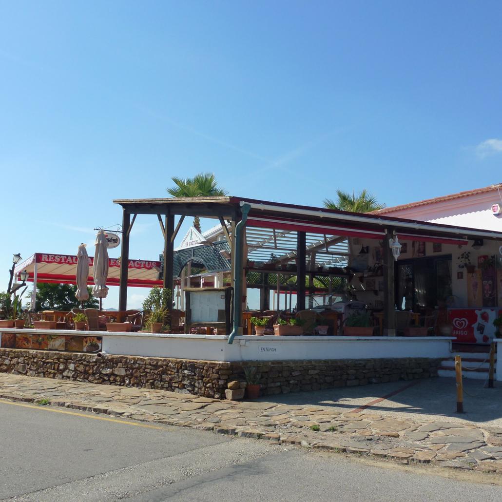 TM034 Three Bedroom Villa Playa Fornells Menorca Holiday