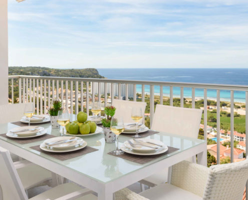 Terrace dining Las Vistas Son Bou